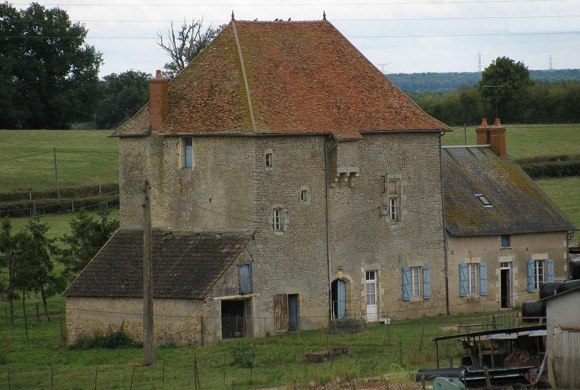 Chateau de lange a st parize le chatel