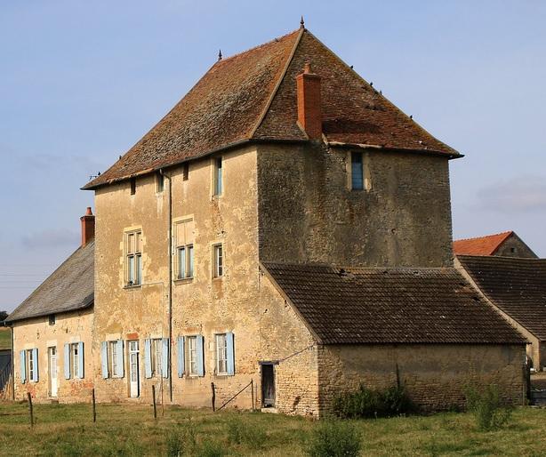 Chateau lange lieu dit l ange a saint parize le chatel pres de nevers