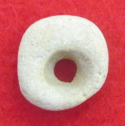 Perle de collier neolithique